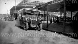 Red Robin bus at Broken Hill, NSW, circa 1930s.