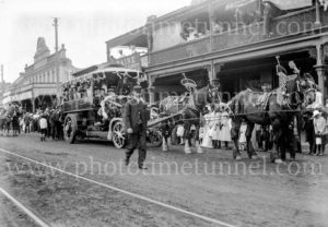 Eight-hour day procession, Hunter Street, Newcastle, NSW, October 28, 1907.
