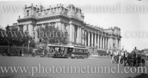Cable tram at Parliament House, Melbourne, Victoria, circa 1920s.