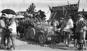 Decorated float in a Sydney beachside parade, c1930s.