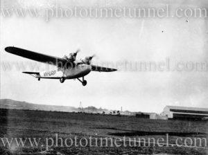 Codock aircraft VH-URP landing at Newcastle, NSW, circa 1934.