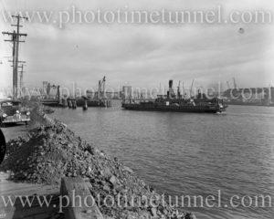 Punt Kooroongaba, Newcastle Harbour, NSW, June 4, 1960.
