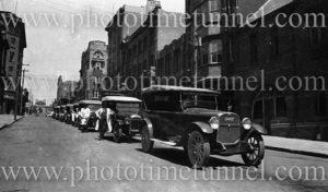 Taxi rank in Bolton Street, Newcastle, NSW, circa 1930s.