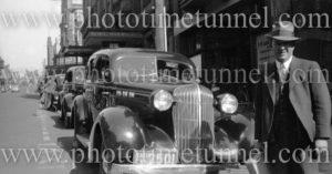 Taxi rank in Bolton Street, Newcastle, NSW, circa 1940s.