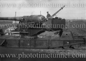 British 9.2 inch railway gun, circa 1919. (2)